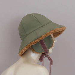 Hat - Art. Cloche con Paraorecchi