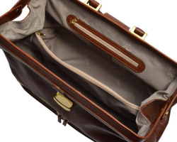 Art. Medical Bag with leather bottom