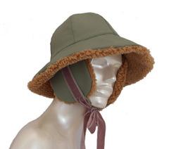 Hat - Art. Cloche con Paraorecchi