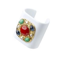 White plexi bracelet with Cabochon stones